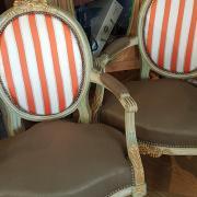 Paire de fauteuils cabriolets Louis XVI Après réfection complète