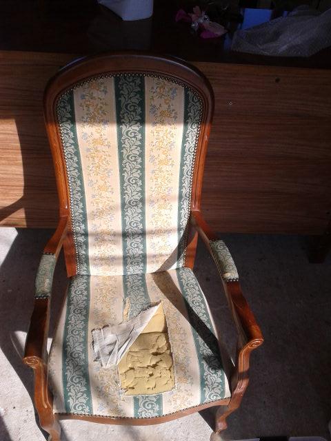 fauteuil de style voltaire avant. Black Bedroom Furniture Sets. Home Design Ideas