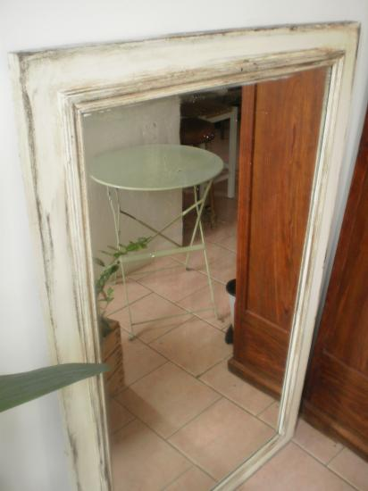 Grand Miroir patiné. 70 €