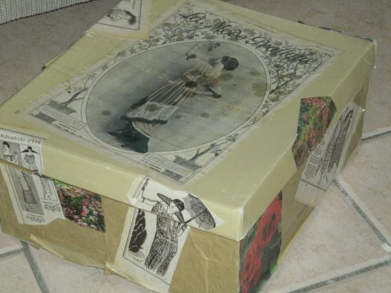 Boîte de rangement en carton