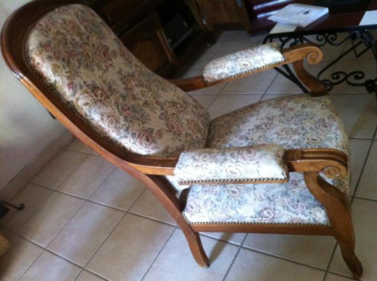 artisanat gard vaucluse tapissier decorateur languedoc roussillon fauteuil artisanat d 39 art. Black Bedroom Furniture Sets. Home Design Ideas