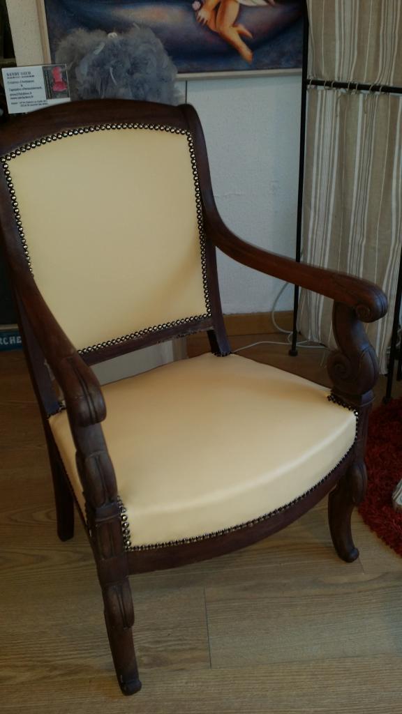paire de fauteuils empire restauration recouvert d 39 un cuir c m. Black Bedroom Furniture Sets. Home Design Ideas