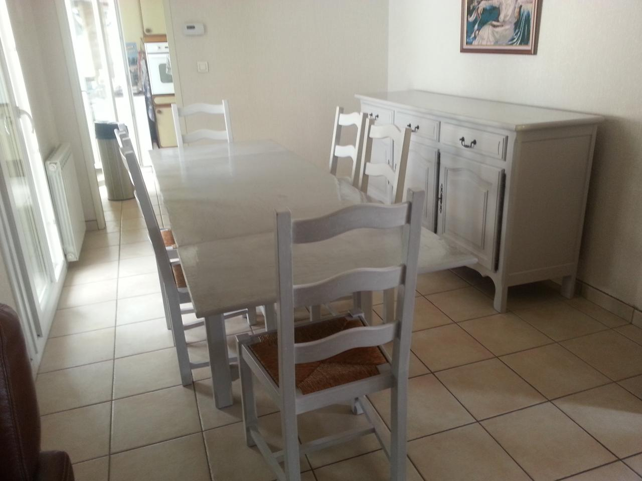 TABLE & 6 CHAISES + ENFILADE RELOOKEES